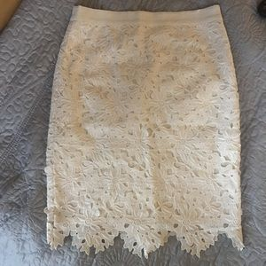 GORGEOUS LOFT OFF WHITE LACE SKIRT. WORN ONCE